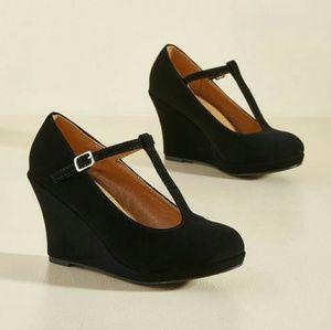 Dashing to Dinner Heels in Black